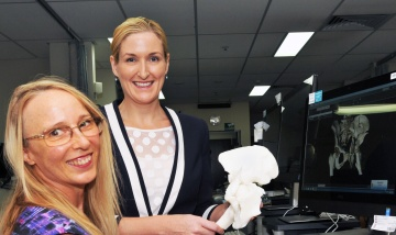 Surgery assisted by 3D printing of broken bones