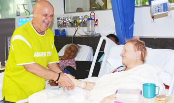 Laughter yoga a hit with patients on dialysis