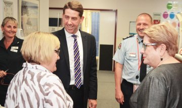 Minister floods staff with thanks