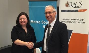 Signing the memorandum between Metro South Health and RACS