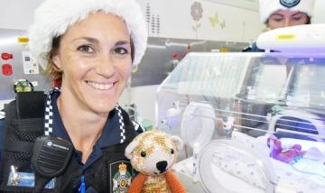 Capalaba Police bring Christmas joy