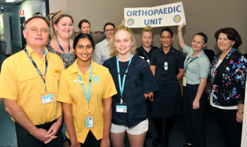 Volunteers assisting Orthopaedics with dementia patients